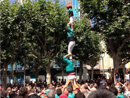 A quick guide to castes: human tower, Catalan tradition