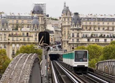 Using the Public Transport Systems in Paris